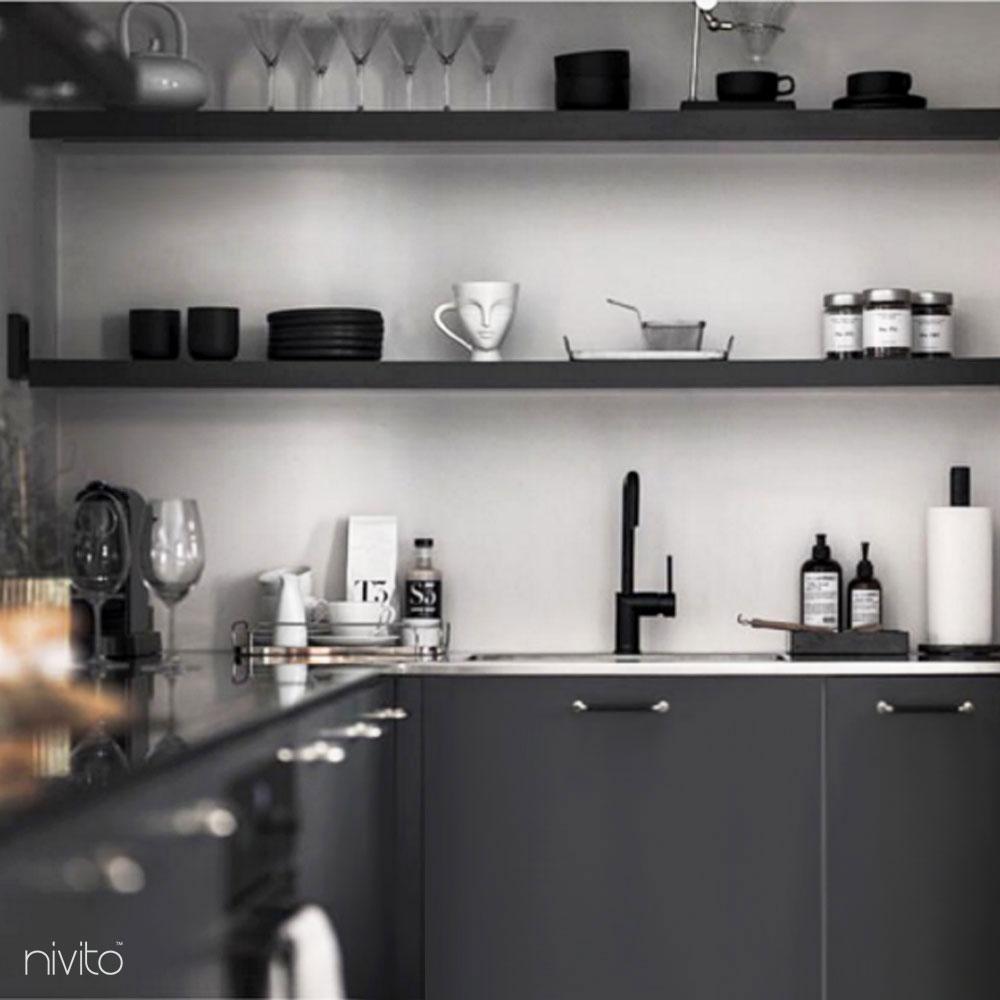 Noir design robinet